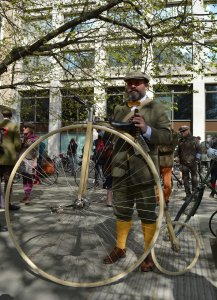 Another penny farthing Gent