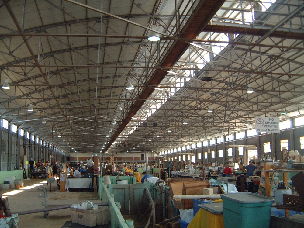 Giant flea market