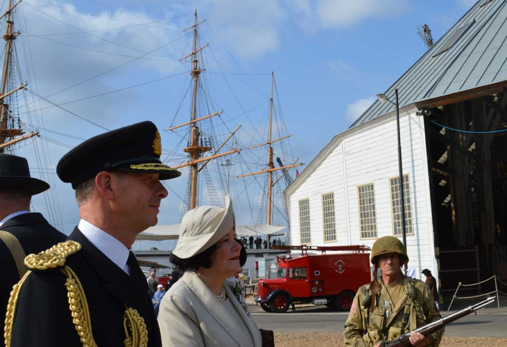 low King George and Queen Elizabeth with Grumpy marine